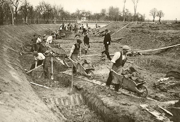budovani_pristavu_batov_1938